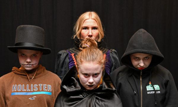 Skummel Halloween-fest i Tangenten
