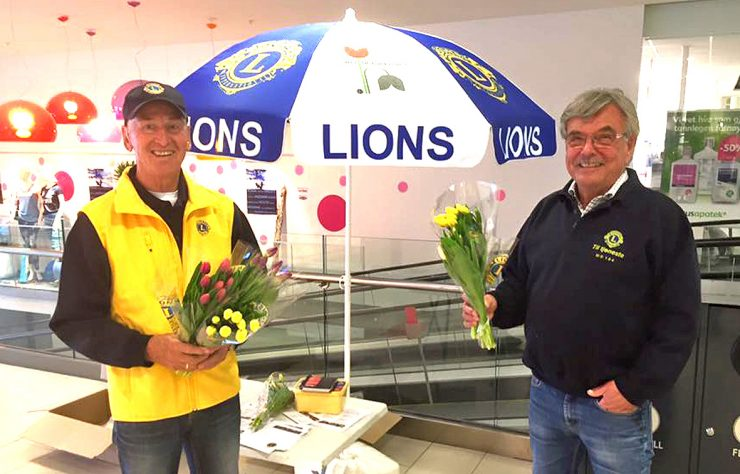 Lions Club med tulipaner lørdag
