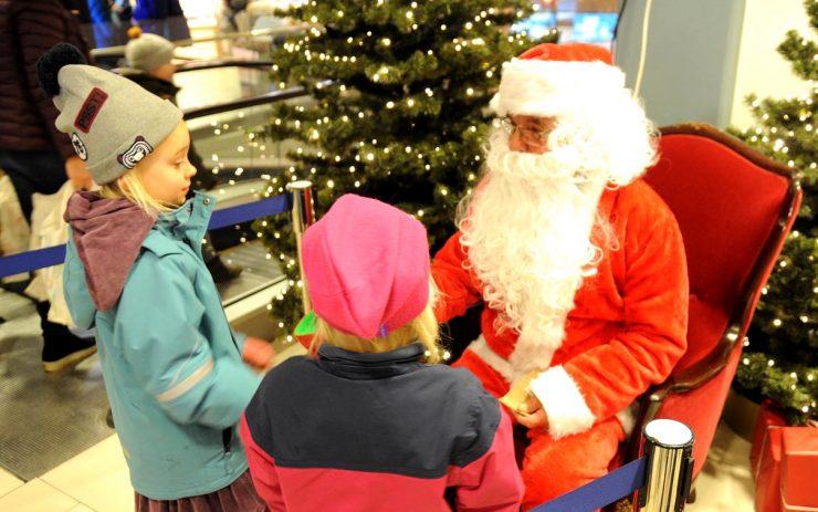 Julehygge og grantenning på Tangen